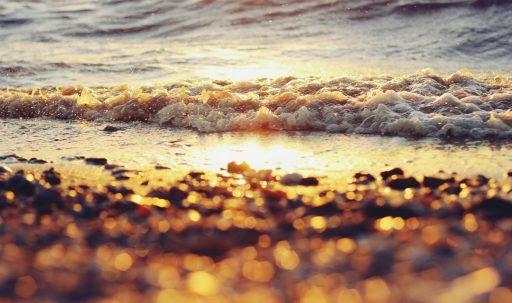 beach-water-waves-sun-1680x1050