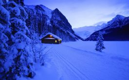 lodge_evening_mountains_snow_light_winter_ski_track-1920x1080