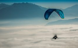 paragliding_sky_clouds-1920x1080