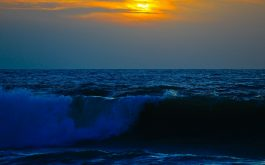 sea_surf_waves_sky_sunset-1920x1080
