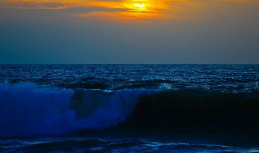 sea_surf_waves_sky_sunset-1920x1080