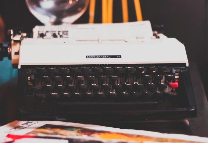 typewriter_retro_keys-1920x1080