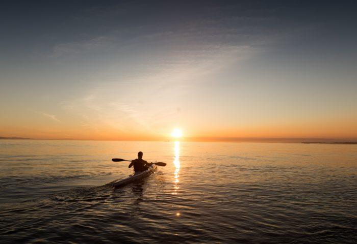 boat_skyline_sunrise_man_sky_sea-1920x1080