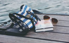 handbag_sunglasses_book_rive-1920x1080