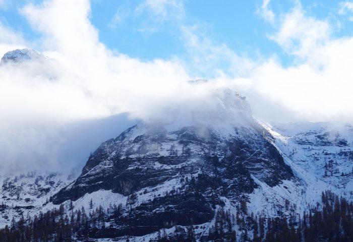 mountain_peak_top_snow_fog_sky-1920x1080
