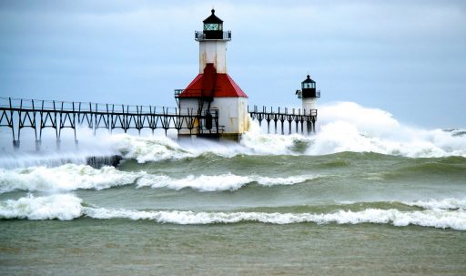 pier_lighthouse_sea_waves_surf-1920x1080