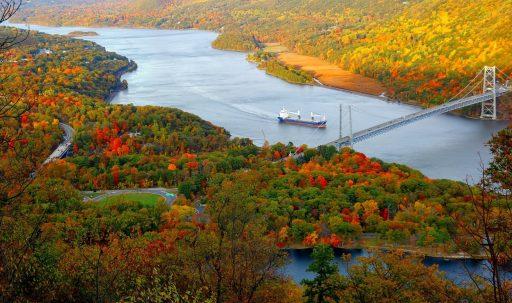 ship_bridge_trees_autumn-1920x1080