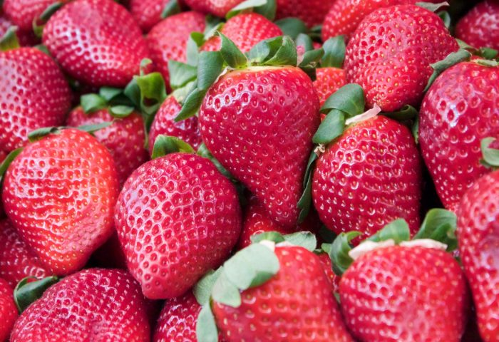 strawberry_berry_juicy_ripe-1920x1080