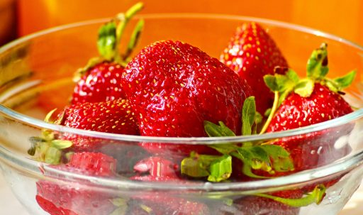 strawberry_berry_plate_juicy-1920x1080