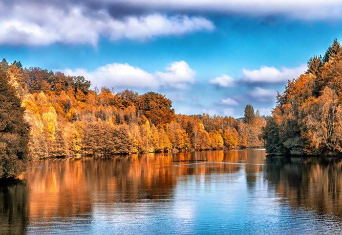 autumn_lake_trees_reflection-1920x1080
