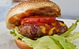 burger_cheddar_cheese_bun_patty_sesame_seeds_lettuce_sauce-1920x1080