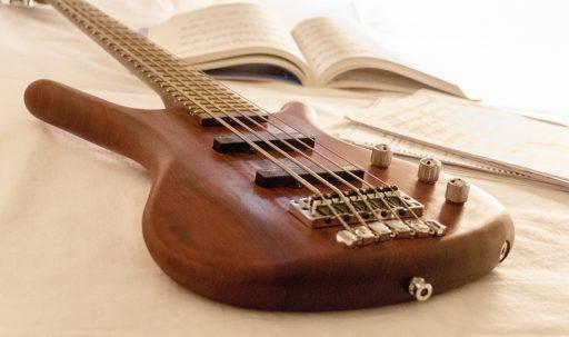 guitar_music_strings_musical_instrument-1920x1080